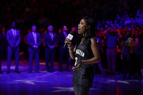 anthem_singer_basketball_05422-jpg-26ce6